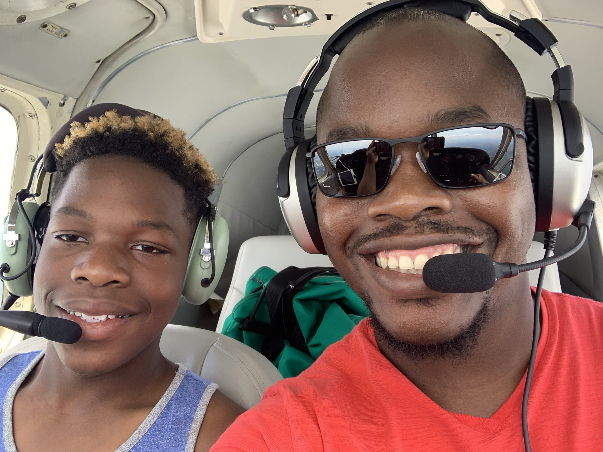 Pilot Dwayne Smith and son