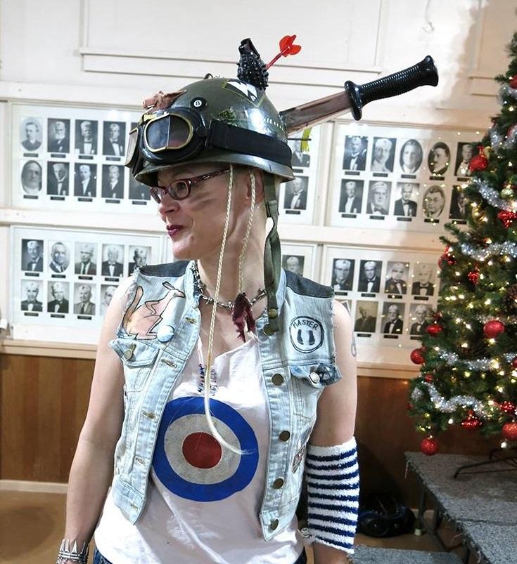 Samantha Poole as Tank Girl
